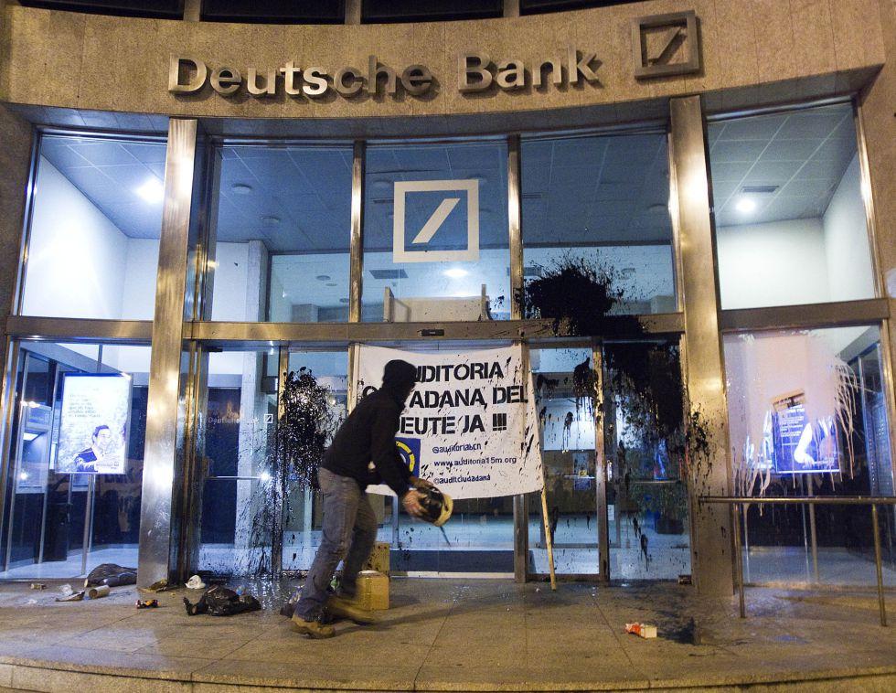 Mirada cr tica cacerolada contra la deuda 13 oct 2012 for Oficinas deutsche bank valencia