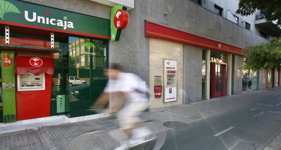 De caja nica a nica caja andaluc a el pa s for Oficinas de unicaja en madrid